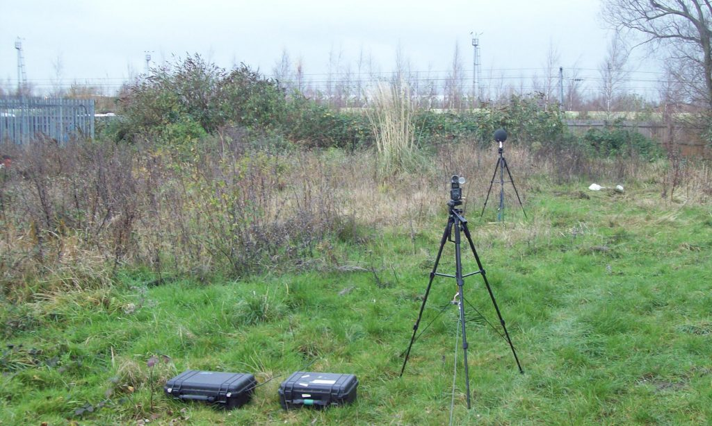 Assessing noise impact: Measuring sound levels adjacent to a railway line